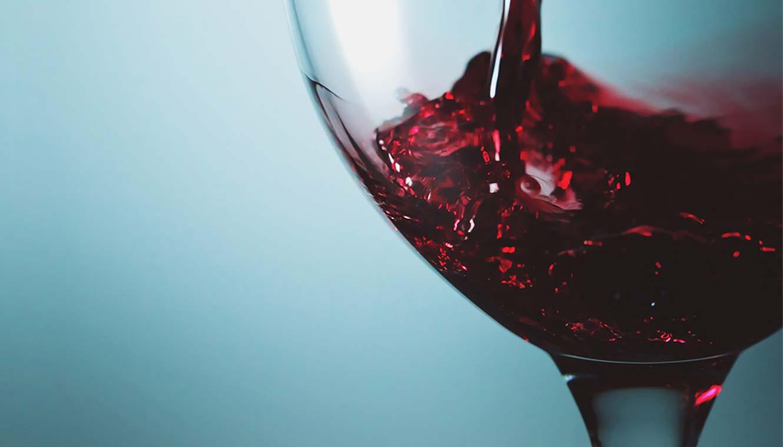 Charme na hora de abrir e servir vinhos